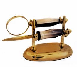 8151 Magnifier